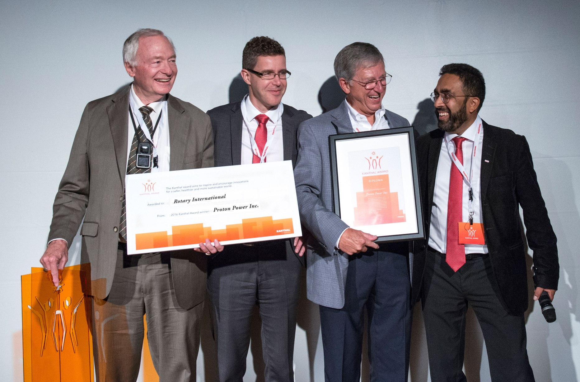 Caption=Kanthal Award 2016 winners: The winners Proton Power. From the left Dr Weaver, Nicklas Nilsson, VP Sandvik Materials Technology, Mr Hensley and Dr Chandrasekaran, Chairman of the Kanthal Award Jury